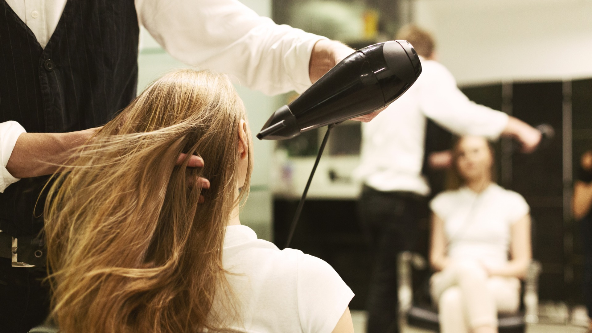 blow dry hair salon